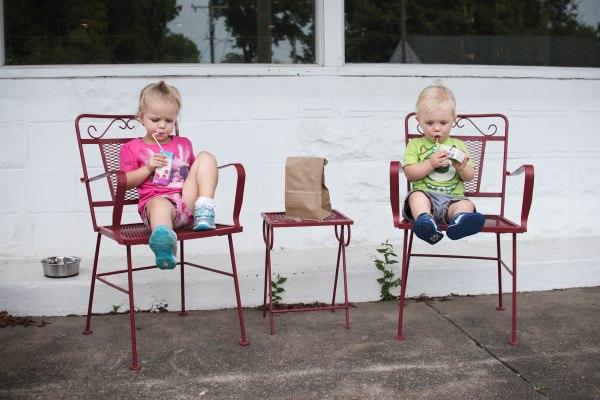 sylvan park, nashville, photography, hair teasing and hair bows, whitney williams